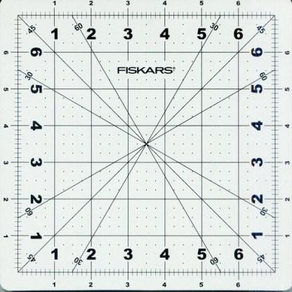 Fiskars 8 Inch Roatating Cutting Mat_Top