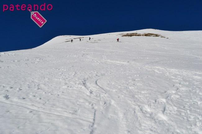 Pico Petruso en raquetas de nieve
