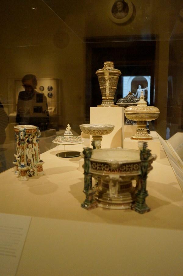 Metropolitan Museum York With Traveller Pater