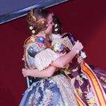 Ana y Adriana se funden en un abrazo durante su despedida