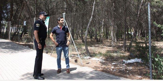 El alcalde de Paterna, Juan Antonio Sagredo junto con el Jefe de Policía, Rafael Mestre visitando la parcela de La Canyada donde se construirá el nuevo retén de Policía Local