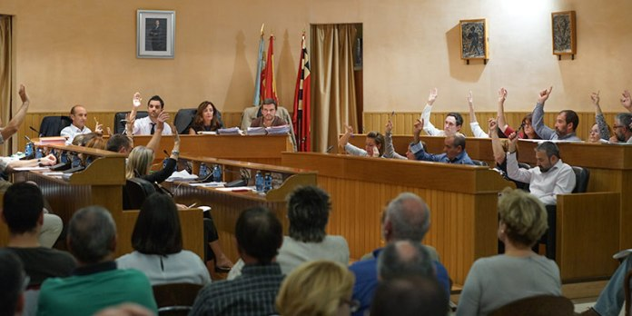 Instante del pleno en el que se aprobó la medida