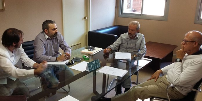 Juan Manuel Mora durante la reunión