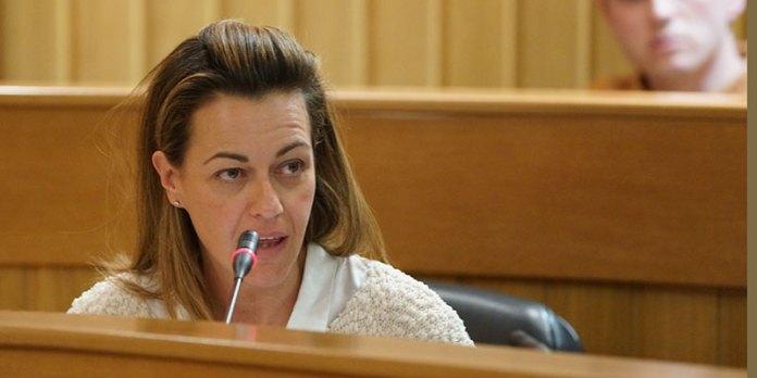 Nuria Campos durante un Pleno