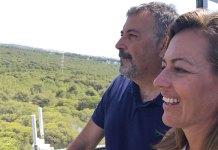 La concejala de Seguridad Nuria Campos junto al Jefe de Policía en la torre de vigilancia de La Vallesa