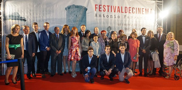 Familiares de Antonio Ferrandis a su llegada la Gala de Entrega de Premios