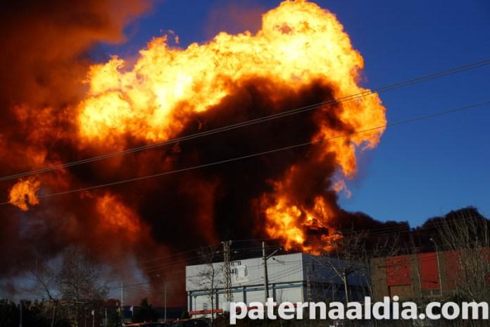 Incendio en una nave de Fuente del Jarro