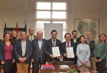 Instante de la firma del convenio entre Paterna Ciudad de Empresas y los promotores de Puerto Mediterráneo