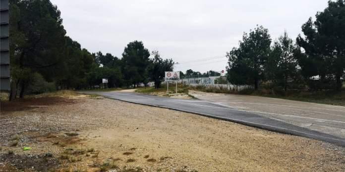 Carretera que une La Cañada con Fuente del Jarro