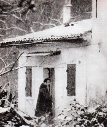 Gérard Leroux pénétrant chez André Fourquet (© D.R.)