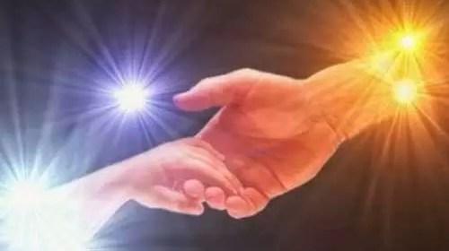 Se donner la main
