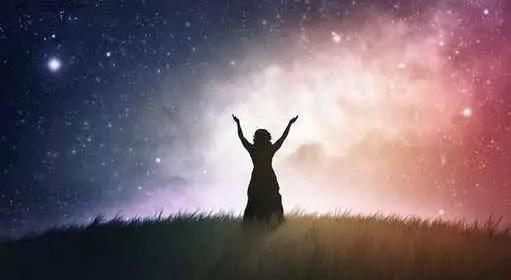 Synchronicités : comment nous nous connectons et synchronisons avec l'univers