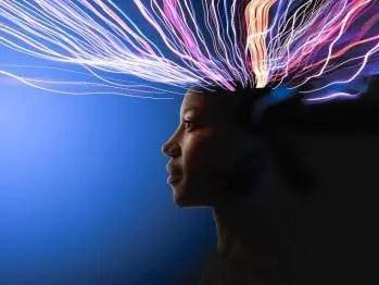 Nos pensées sont immédiatement retransmises aux autres âmes