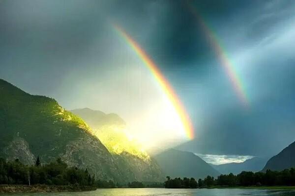 beau paysage arc en ciel
