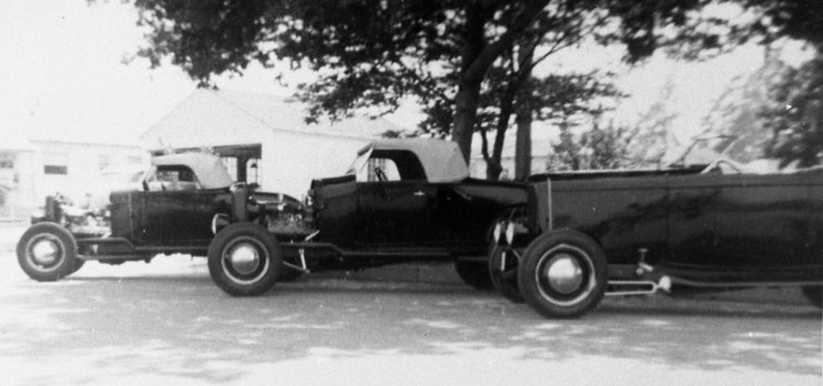 Doane Spencer's '32 Ford Deuce with Glendale Stokers