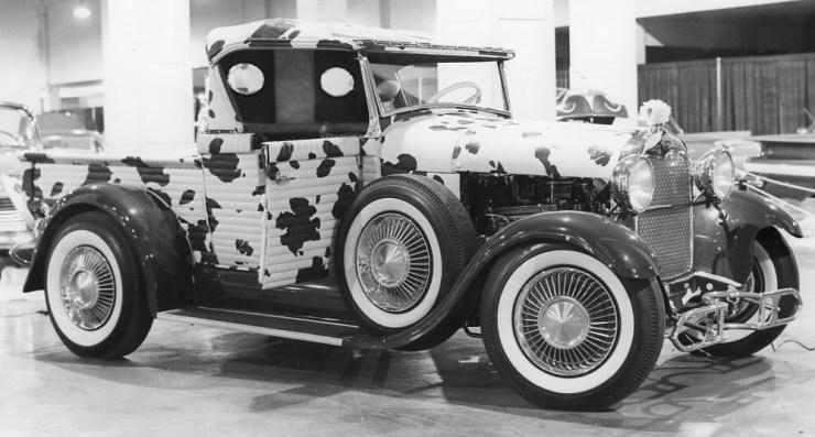"Walt Pasternak's ""Commanche"" '29 Ford roadster pickup"