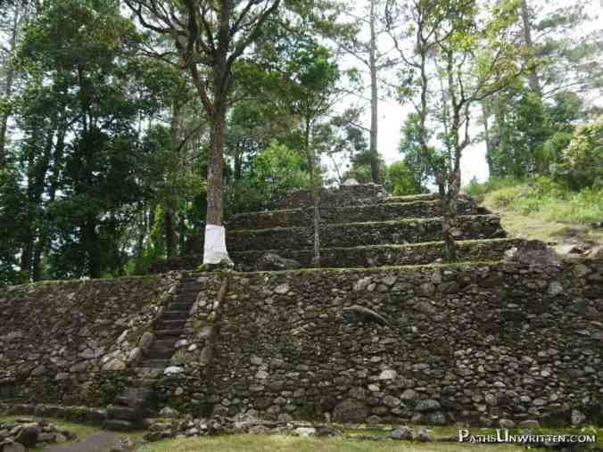 The terraced design of Candi Kethek is similar to Gunung Padang, but on a much, much smaller scale. It is dated to 900–400 BP.