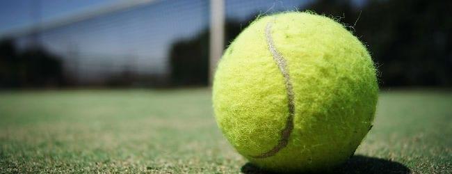 El destino de este hombre atrevido: distonía y Tenis