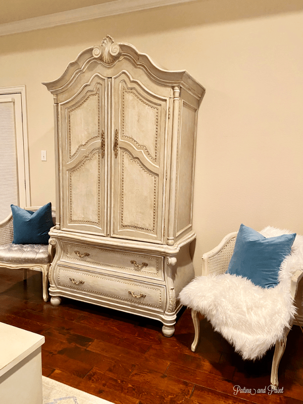 armoire, chairs