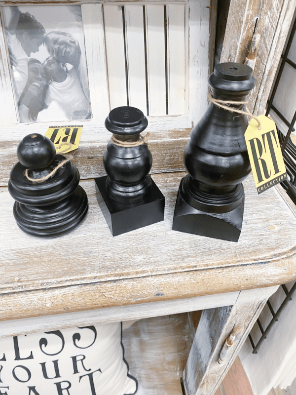 Round Top decor items