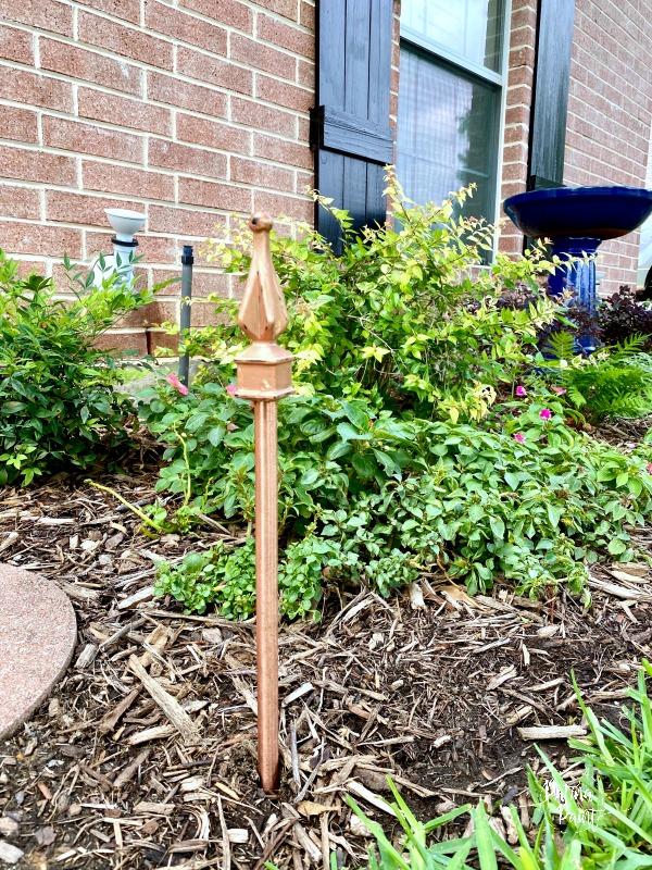 flower beds, garden hose guide