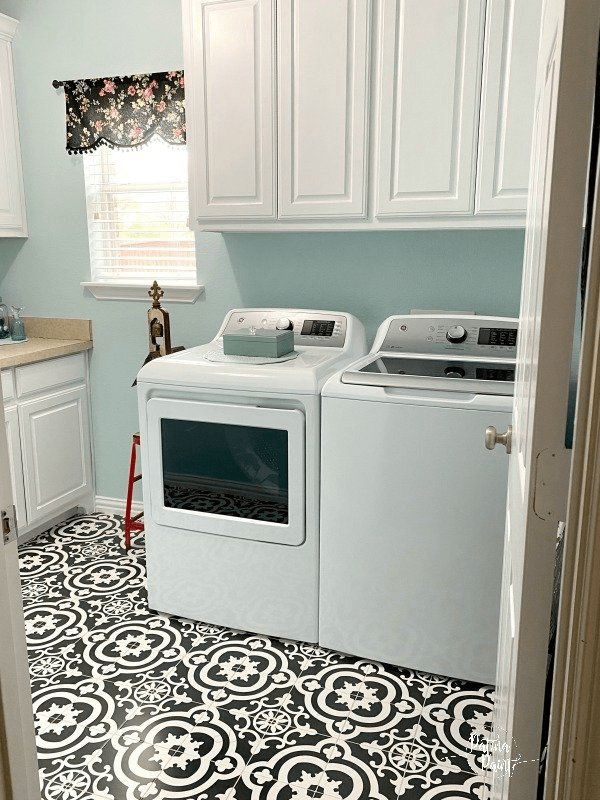 Laundry Room Makeover: Part 1