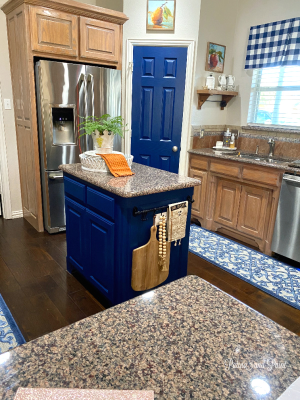 kitchen, blue island, blue door