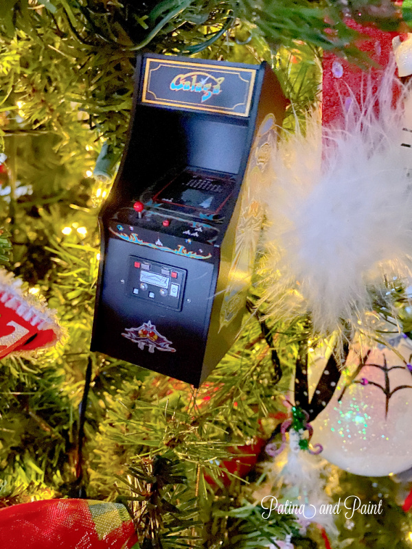 video machine ornament
