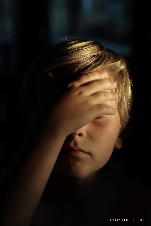 Chiaroscuro portrait of a boy | Patinatur Studio