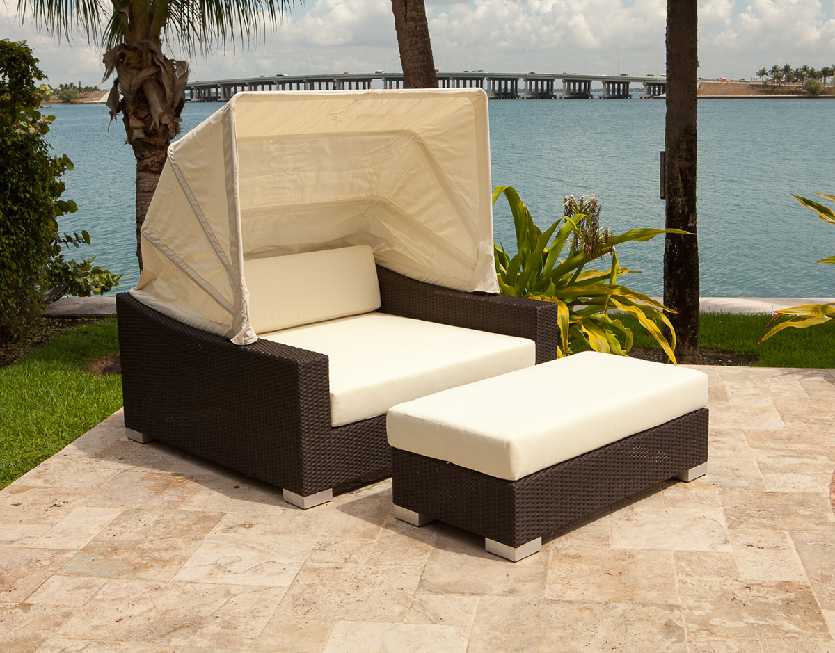 Outdoor Chair With Canopy 10 Outdoor Daybeds Youll Want To Use Indoors