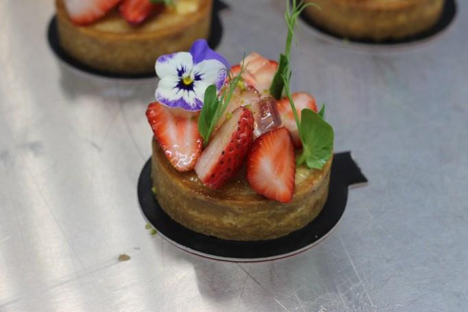 טארטלט תותים - גינה קטנה על הצלחת