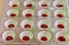 ממלאים בג׳לי תות