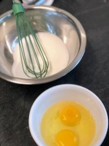 טורפים את הביצים והסוכר