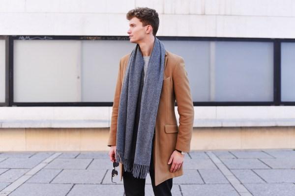 acne-canada-scarf