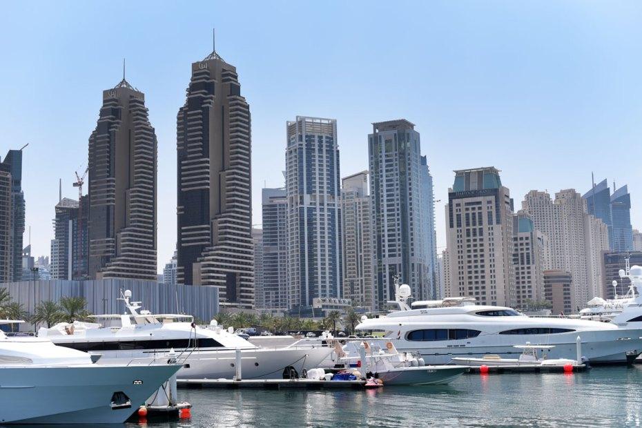 Dubai marina yacht haben