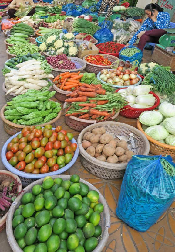cantho street marketcrop