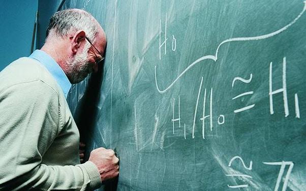 A precarização do trabalho docente em tempos de pandemia: exceção ou regra?