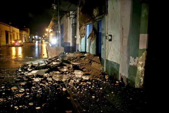 Prédios de Oaxaca danificados após o México ter sido fortemente sacudido por um terremoto de 8,4 pontos de magnitude na escala Richter