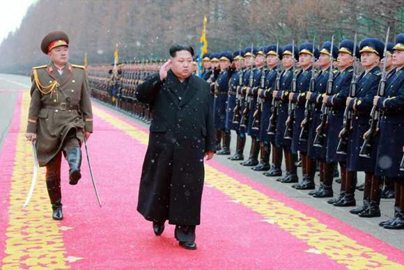 Kim Jong-un defende teste de bomba de hidrogênio (KCNA/Divulgação/EPA/Agência Lusa)
