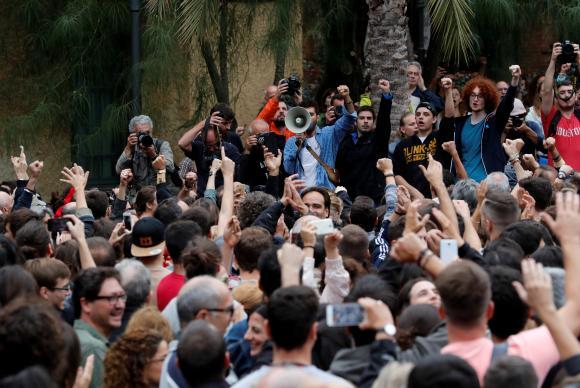 Referendo na Catalunha (Reuters/Yves Herman/Direitos Reservados)