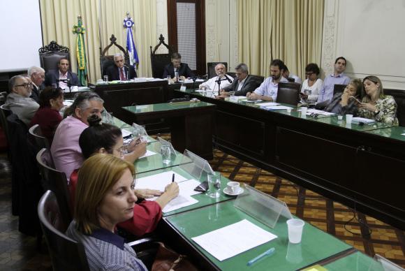 Comissão de Educação da Alerj promove audiência pública para discutir a situação da Faculdade de Educação Tecnológica do Estado do Rio de Janeiro (Divulgação/Octacílio Barbosa/Alerj)