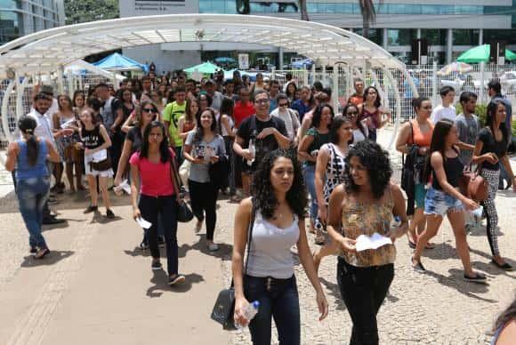 Brasília - Candidatos participam da segunda aplicação do Enem 2016