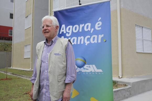 Americana (SP) - O ministro da Secretaria-Geral, Moreira Franco, e também coordenador do programa Agora, é avançar entrega novas moradias em Americana (Beth Santos/Secretaria Geral da PR)