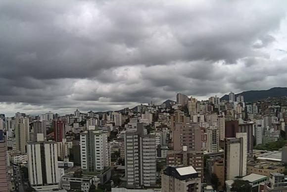 Em algumas regiões de Belo Horizonte, choveu em quatro dias 80% do volume esperado para todo o mês de dezembro
