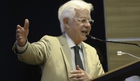Brasília - O ministro da Secretaria Geral da PR, Moreira Franco participa de assinatura dos Termos Corporativos dos Aeroportos Regionais (Fabio Rodrigues Pozzebom/Agência Brasil)
