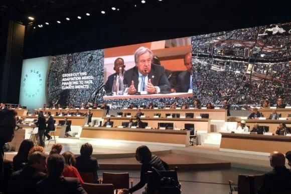 António Guterres em discurso na conferência One Planet, em Paris