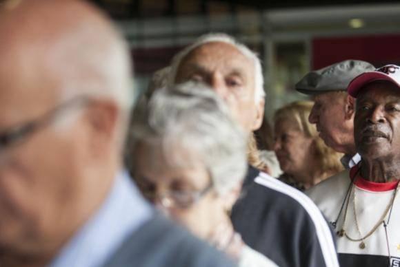 O projeto em análise na Câmara dos Deputados vai beneficiar os idosos