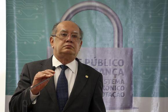 Brasília - O presidente do TSE, Gilmar Mendes apresenta o relatório parcial dos trabalhos de quatro dias do Teste Público de Segurança 2017 (TPS 2017) do Sistema Eletrônico de Votação (José Cruz/Agência Brasil)