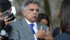 Brasília - O deputado Beto Mansur (PRB-SP) fala à imprensa após reunião com o presidente Michel Temer e líderes da base aliada na Câmara dos Deputados no Palácio da Alvorada (José Cruz/Agência Brasil)