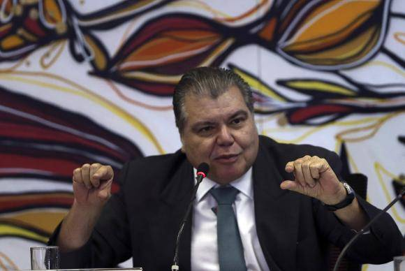 Brasília - O ministro do Meio Ambiente, Sarney Filho, e o Grupo de Trabalho da Soja (GTS) anunciam os resultados do monitoramento por imagens de satélite dos plantios de soja no bioma Amazônia (José Cruz/Agência Brasil)